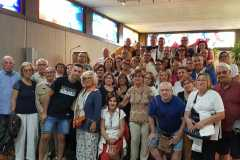 Gruppo di pellegrini provenienti da Margherita di Savoia (BT) in pellegrinaggio alla Madonna delle Lacrime di Siracusa.